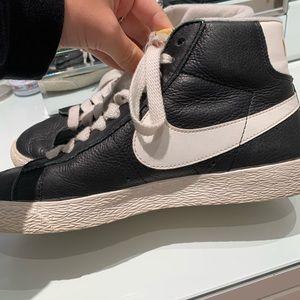 NIKE leather blazer mid hightop sneakers Size 7.5!